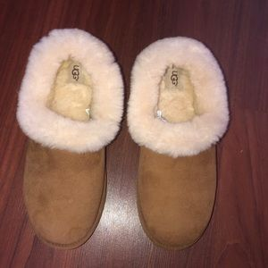 UGG Slippers, size 9